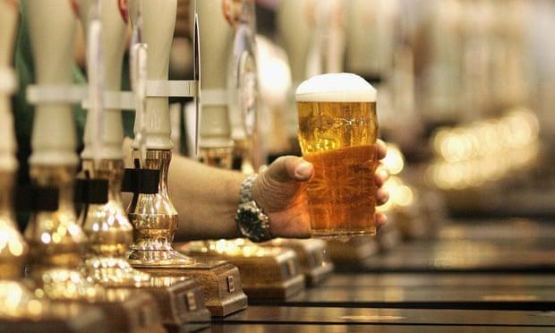 Высокие налоги на алкоголь для финансирования бедняков Англии.