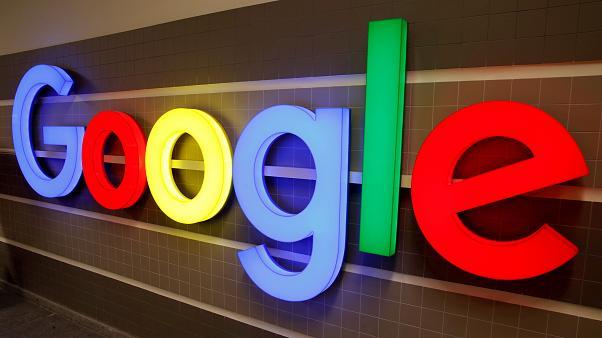 Гугл ведет переговоры с издателями об оплате для своего сервиса