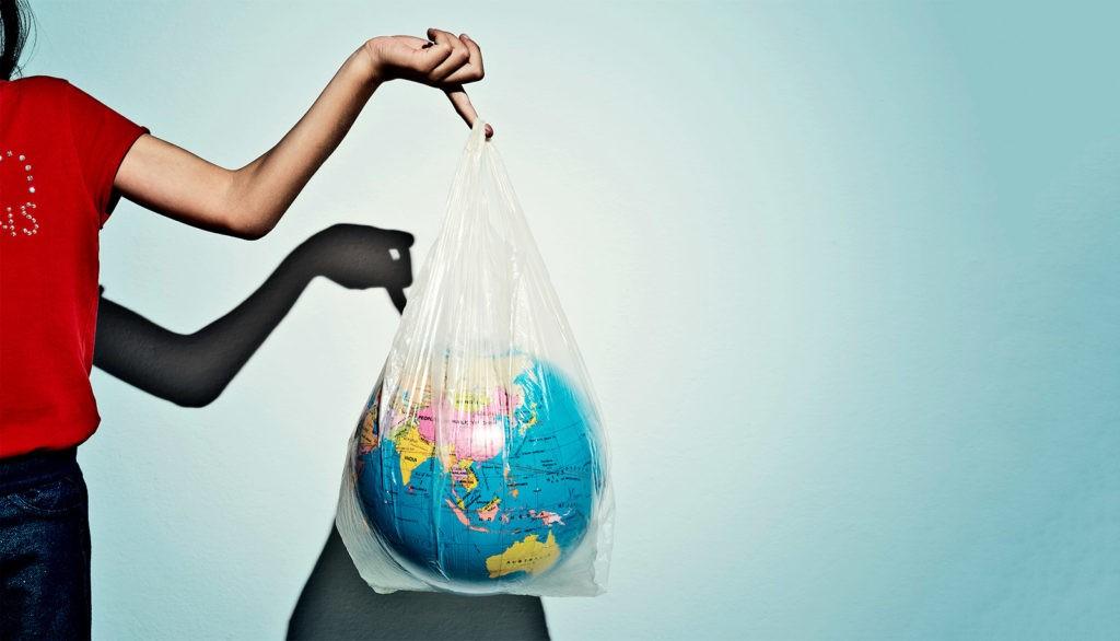 Источник загрязнение: океанический пластик.